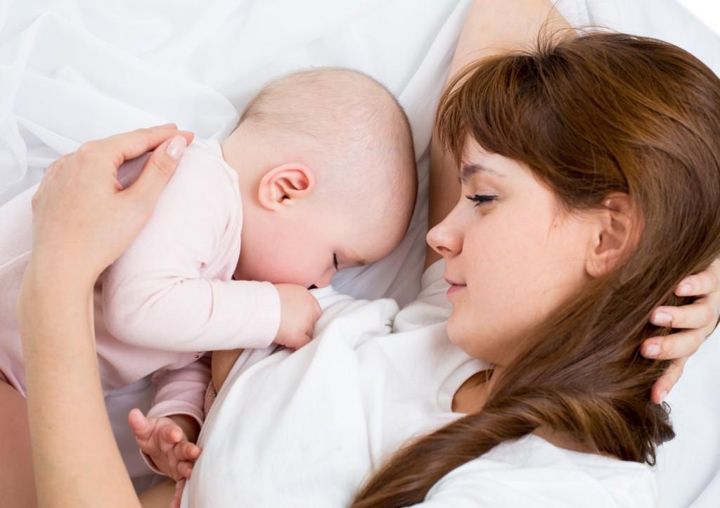 Витамины и микроэлементы в грудном молоке — всего ли хватает?