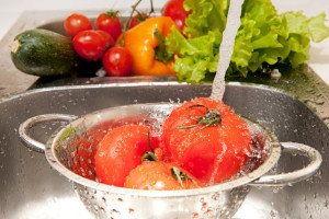 Очищаем овощи и фрукты от химии