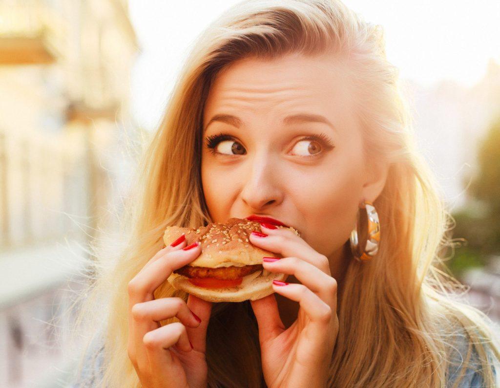Еда и чувство вины: не стоит ругать себя за срывы!