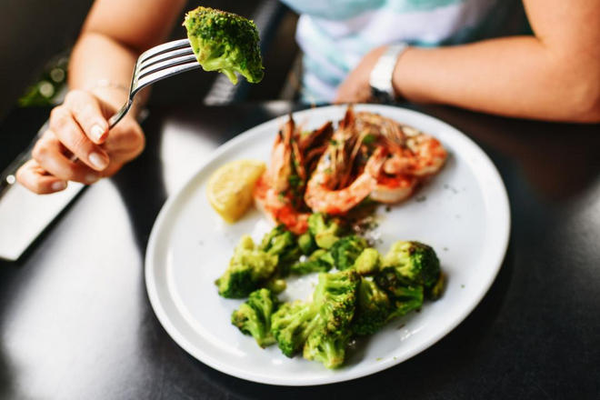 Брокколи и креветки как часть диеты при кандидозе